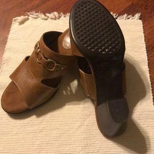 AEROSOLES Shoes - A2 be Aerosoles heeled sandals - size 8.5